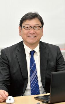 テルモ株式会社 財務部 部長代理 杉田 浩