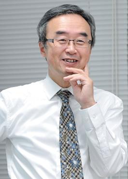 徳岡晃一郎教授
